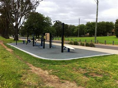 Outdoor Gym Equipment at Maribyrnong River