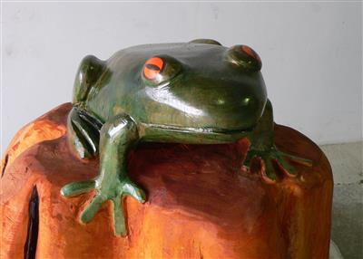 Wooden Frog with Painted Finish